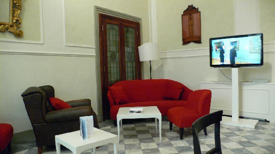 โรงแรมเอนเอช ปอร์ตา รอสซ่า: Lobby