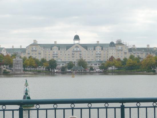 Disney's Newport Bay Club: The hotel.