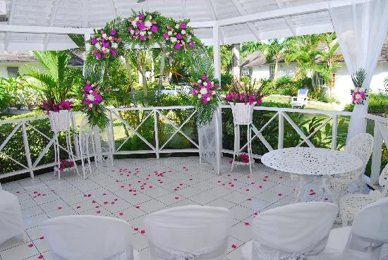 Royal Decameron Club Caribbean: wedding gazebo