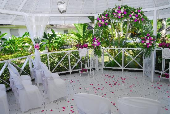 Royal Decameron Club Caribbean: inside our wedding gazebo! x