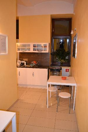 Cracowdays Apartments: Coomon kitchen on 1st floor