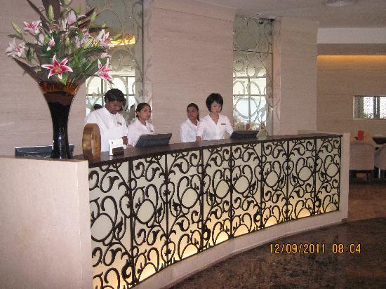 โรงแรมเทรดเดอร์ มาเล: Reception
