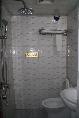 Happy Hotel: Bathroom double