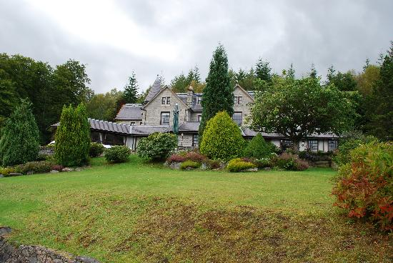 Glenspean Lodge Hotel: General view of the front
