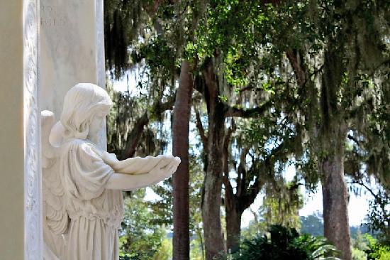 Bonaventure Cemetery: Angel Statue