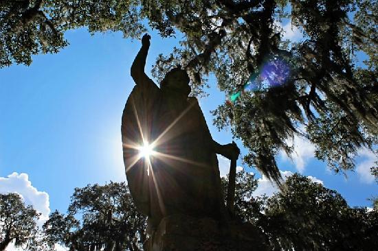 Bonaventure Cemetery: Angel with Sunlight