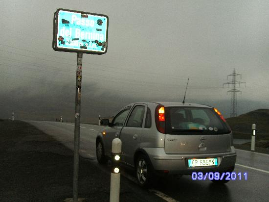 Bernina pass 2330 masl and my car picture of bernina pass bernina pass 2330 masl and my car thecheapjerseys Images