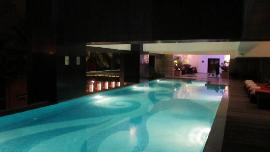 Movenpick Hotel & Spa Bangalore: Pool