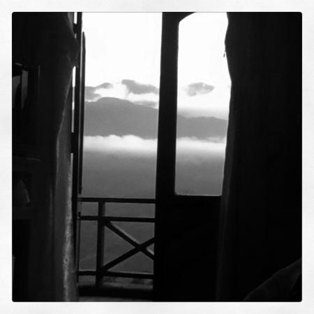 Royal Sapa Hotel: 4th floor corner room view.