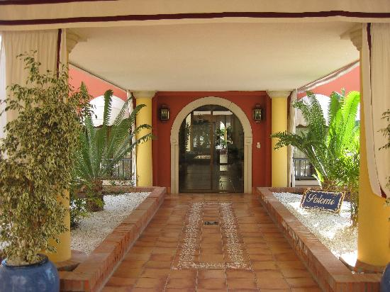 Iberostar Grand Hotel Salome: Salome Private Entrance