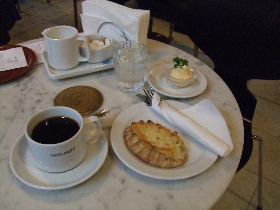 Helsinki, Finland: カフェ・アアルトにて