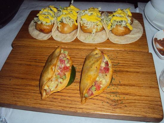 Bien Trucha : The taquitos!!!! mmmmmmmmm