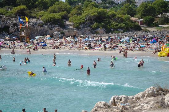Globales America: Local beach