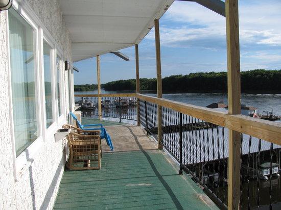 Holiday Shores Motel