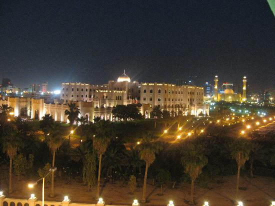Ramada Hotel Bahrain: View from the front rooms at night