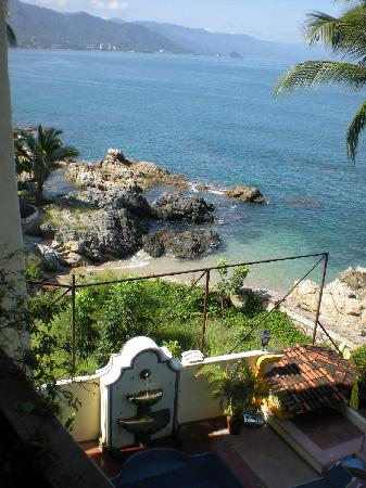 Lindo Mar Resort: View to the left, from 4th floor balcony