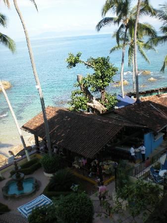 Lindo Mar Resort: View to the right from 4th floor. La Playita Restaurant.