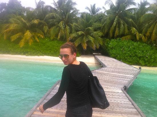 คุรามาธิ ไอแลนด์ รีสอร์ท: Arriving on the island