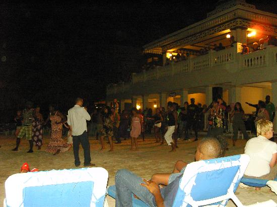 คลับโฮเต็ล ริอูออคโคริออส: Beach Party