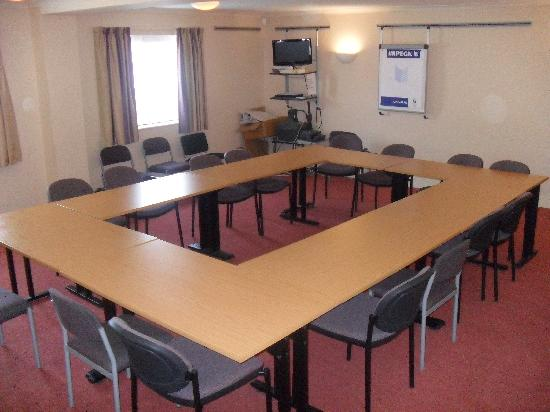 Days Inn Chester East: Meeting/Conference Room