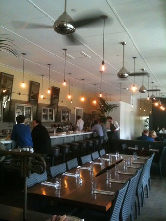 Presidio Social Club: Restaurant Bar and Interior