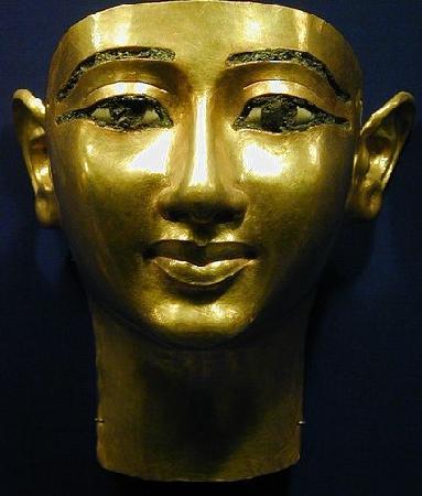 Egyptraveluxe: a golden Mask
