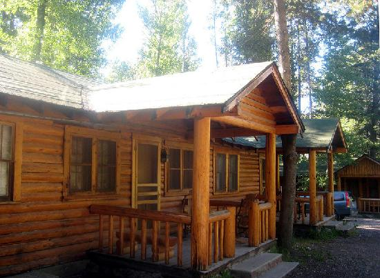 Shoshone Lodge & Guest Ranch: One of the cabins.
