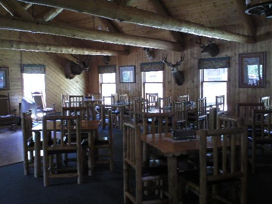 Blackwater Creek Ranch: Dining hall