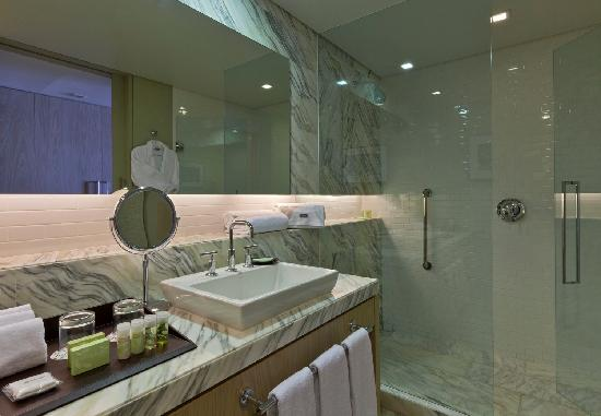 The Westin Guadalajara: Bathroom King Room