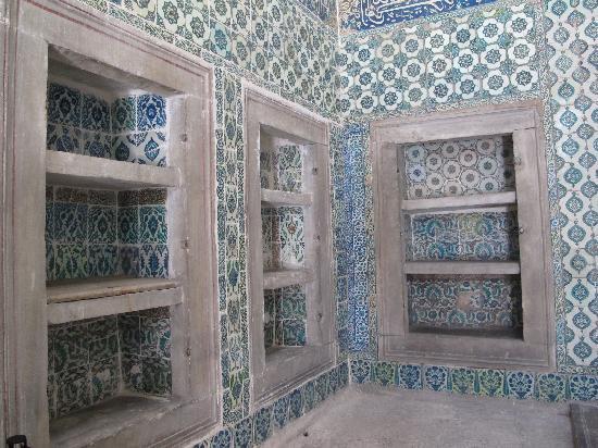 Topkapi Palace: Beutiful mosaic in the Harem