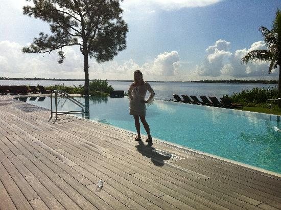 Club Med Sandpiper Bay: The infinity pool...