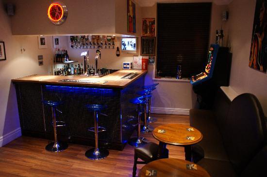 The Craimar: The Bar