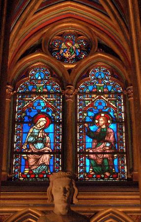 เซนต์ชาเปล: windows / statue of St Louis
