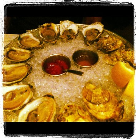 Island Creek Oyster Bar: Oysters were divine!