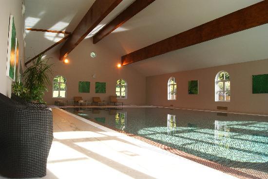 Chateau Saint Just: La piscine intérieure
