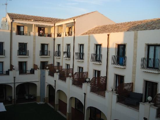 Mahara Hotel & Wellness: Hotel Mahara - eigentlich schön eingerichtet