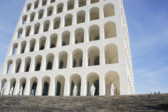 Residence Garden: Palazzo della Civilta Italiana