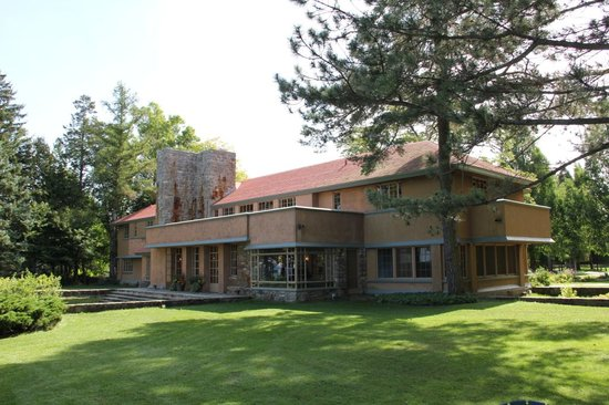 Frank Lloyd Wright's Graycliff: The Home from the Lake Erie side