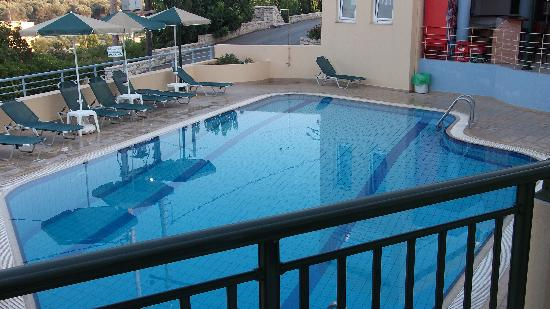 Radamanthys Apartments: The swimming pool