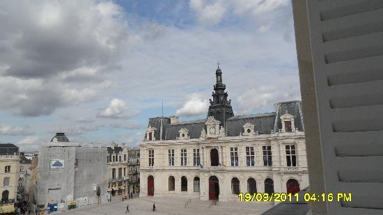 Hotel Central: View of the town hall from room