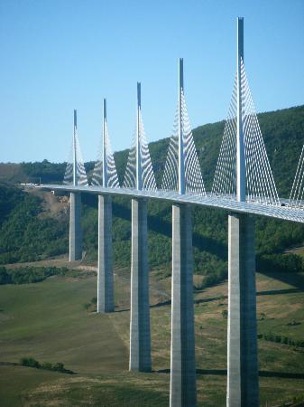 Viaduc de Millau : millau viaduct