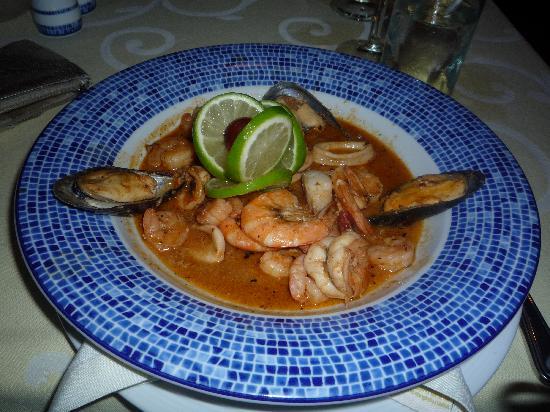 Panama Jack Resorts - Gran Caribe Cancun: seafood casserole in marias