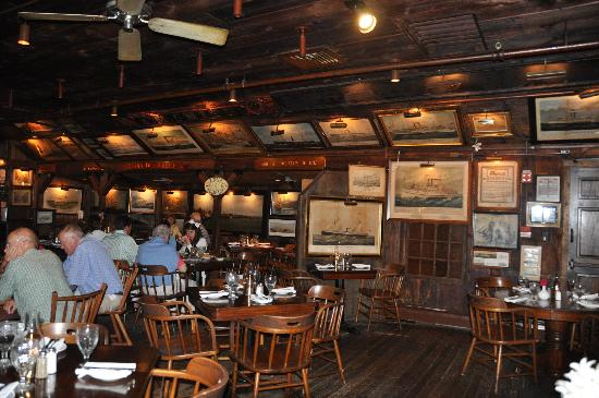 Griswold Inn: inerno ristorante