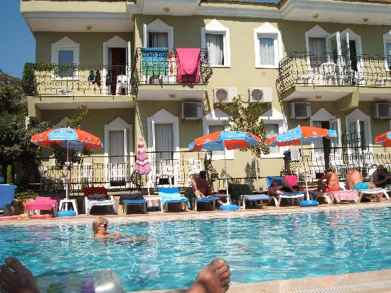 Taner Hotel: Pool & Hotel