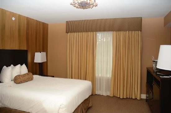 Freehold, NJ: Room on the third floor