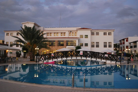 Kefalos Beach Tourist Village: main hotel and pool