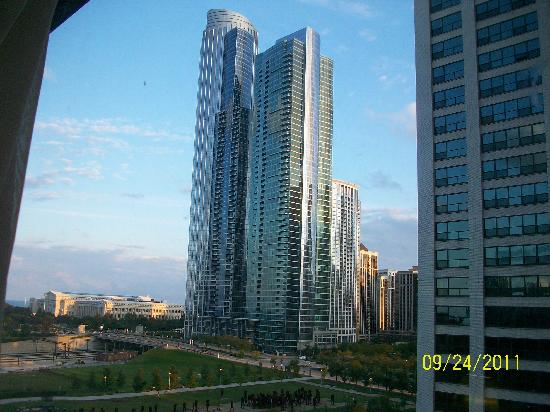 BEST WESTERN Grant Park Hotel: View from our 9th floor window.