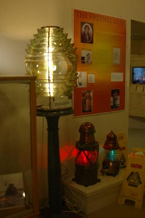 Maine Lighthouse Museum : Another Fresnel lens in the museum
