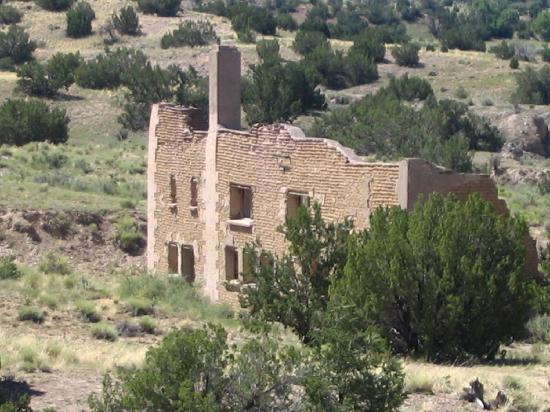 New Mexico Jeep Tours: Ruins of an old town