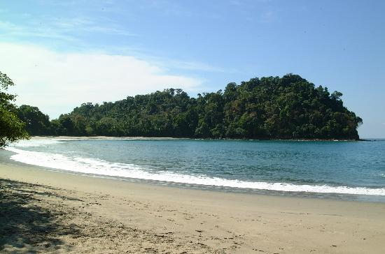 Issimo Suites Boutique Hotel and Spa: Manuel Antonio Beach located only a short drive or a 20 min walk away
